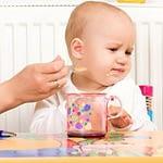 Trẻ 1 tuổi biếng ăn mẹ nên làm gì?